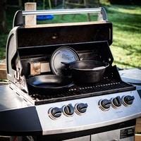 Vorschau: 30200046-grill-more-essentials-dutch-oven-feuertopf-8l-i03